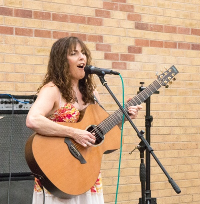 Carrie Martin singer
