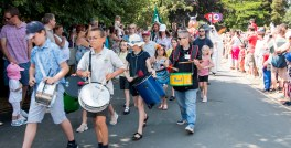 Parade drummers